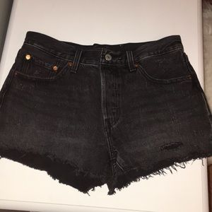 LEVI'S black distressed shorts